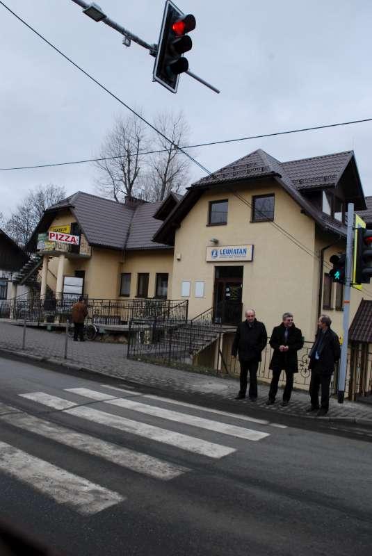Sygnalizacja świetlna w centrum Jerzmanowic