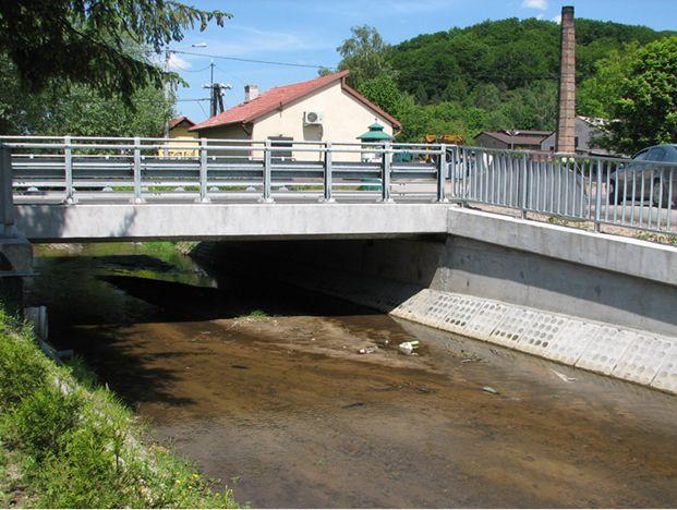Przebudowa ciągu dróg powiatowych nr 1033K i 2186K z przebudową mostu nr 86 w Krzeszowicach i budową mostu nr 73 w Tenczynku