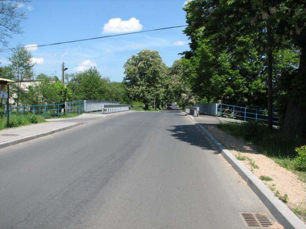 Most nr 86 nad potokiem Krzeszówka, między Tenczynkiem a Krzeszowicami w ciągu drogi nr 2121K